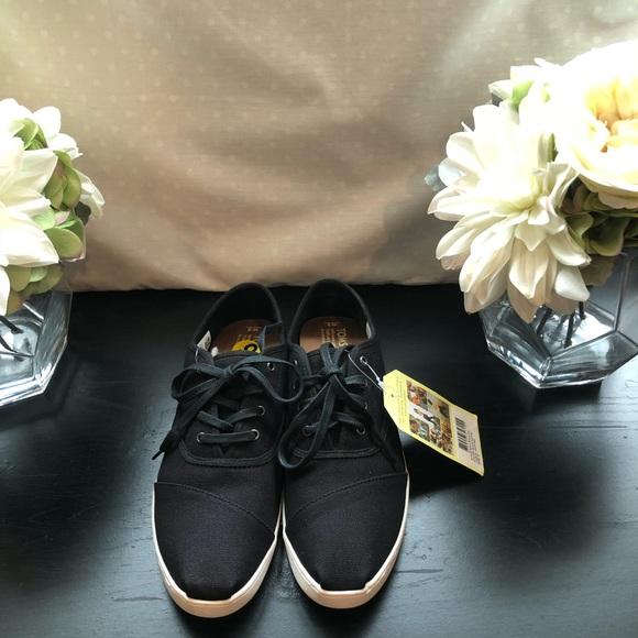 Toms Shoes | Donovan Sneaker | Poshmark